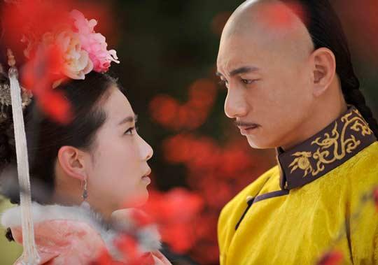 钢琴曲谱:   《三寸天堂》是严艺丹演唱的歌曲,由严艺丹作